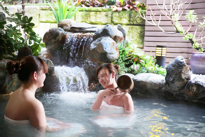 大地酒店大眾風呂造雪浪漫氛圍